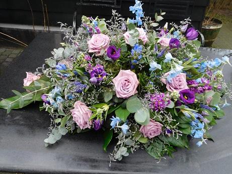 blauw-paars rouwstuk langwerpig 3